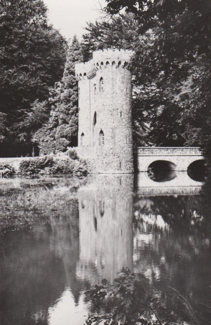 Torenpoort van Park de Mik