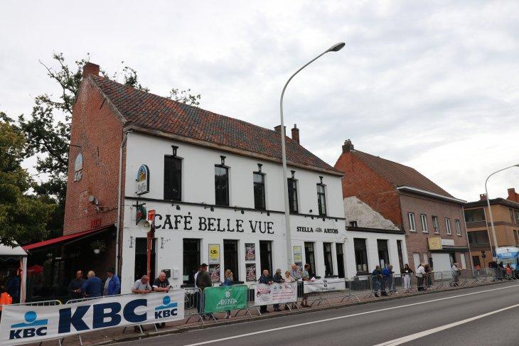 Wielerwedstrijd voor Nieuwelingen Grote prijs Café Belle Vue