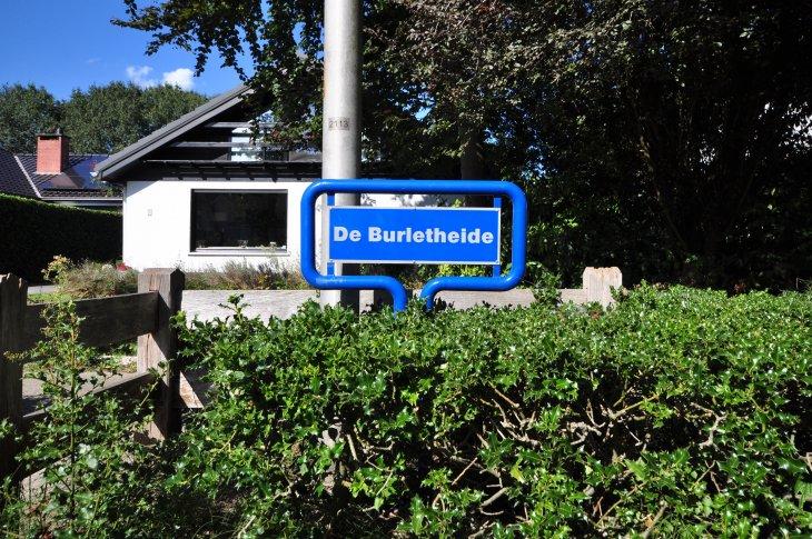 Straatnaambord: De Burletheide